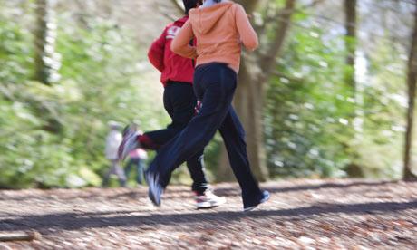 De ce mă doare genunchiul în timpul alergării, menține-ți articulaţiile sănătoase