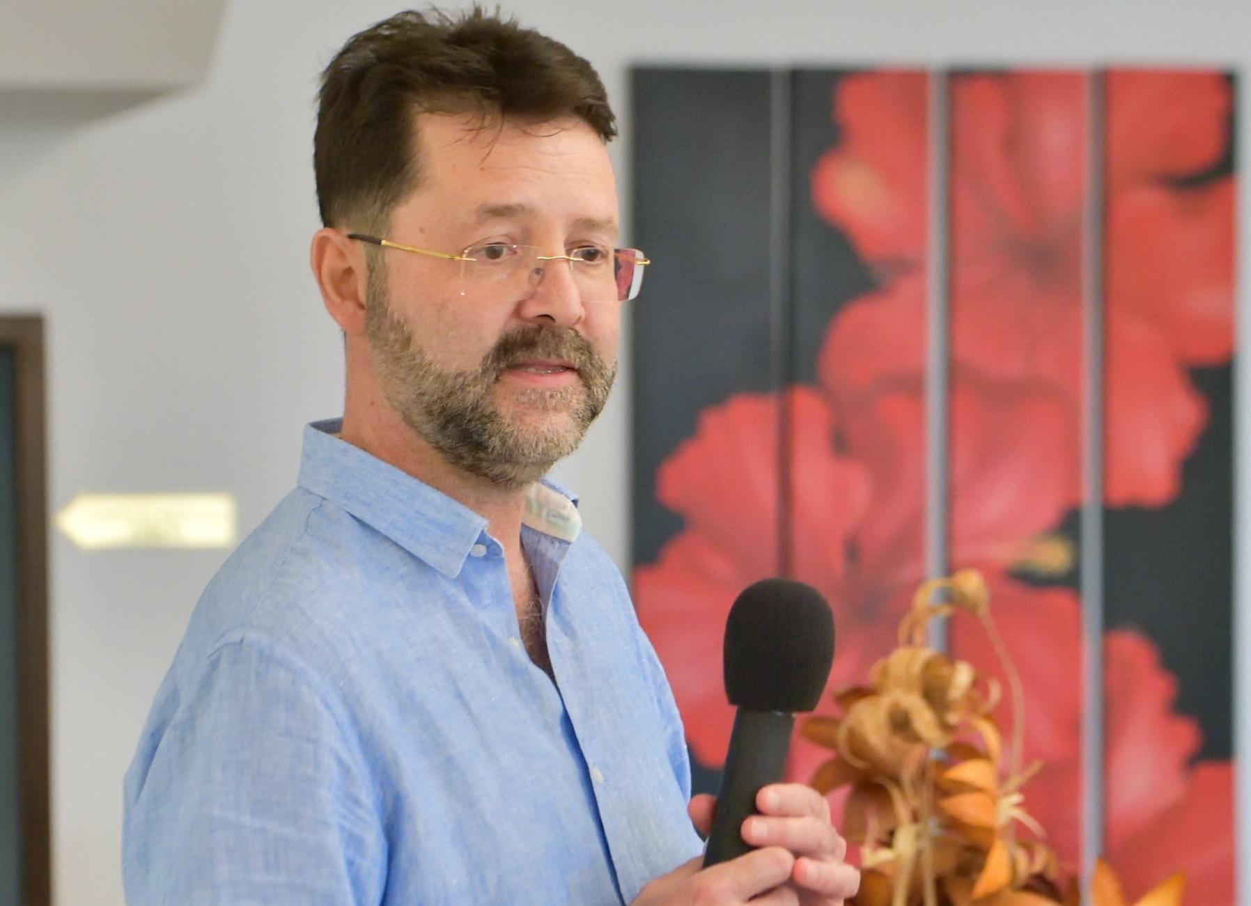 dr. Stefan Jianu- cum tratam varicele